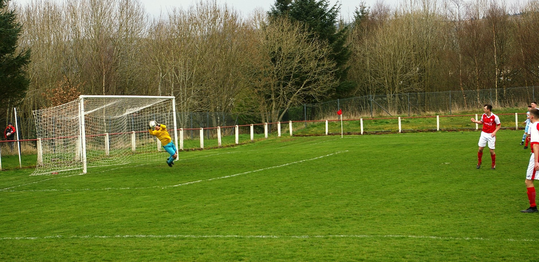 Craigmark come agonisingly close to scoring. Pic: Robert Burns.