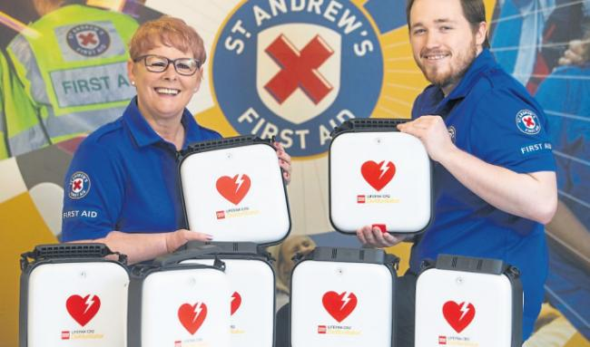 Life-saving equipment handed out in Cumnock to combat long ambulance waiting times