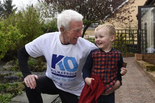World champion New Cumnock athlete completes 10k race with baby great grandson in under an hour